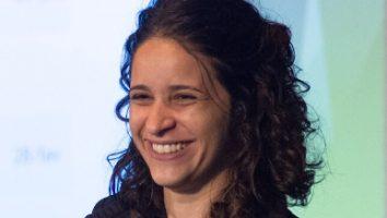 Adriana Carneiro de Souza