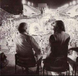 Leonel Brizola e Darcy Ribeiro no Sambódromo - Carnaval Rio de Janeiro