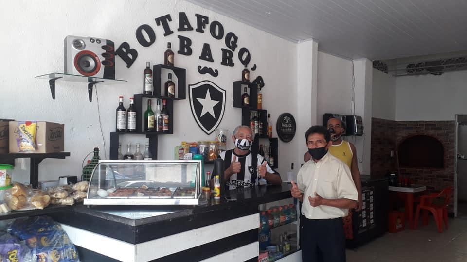 Carlos Pedro, 50 anos de história no Botafogo Bar